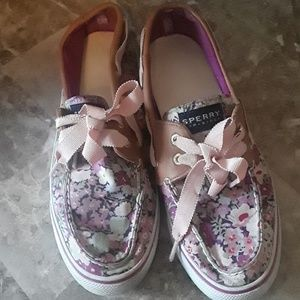 Sperry flower leather top trim